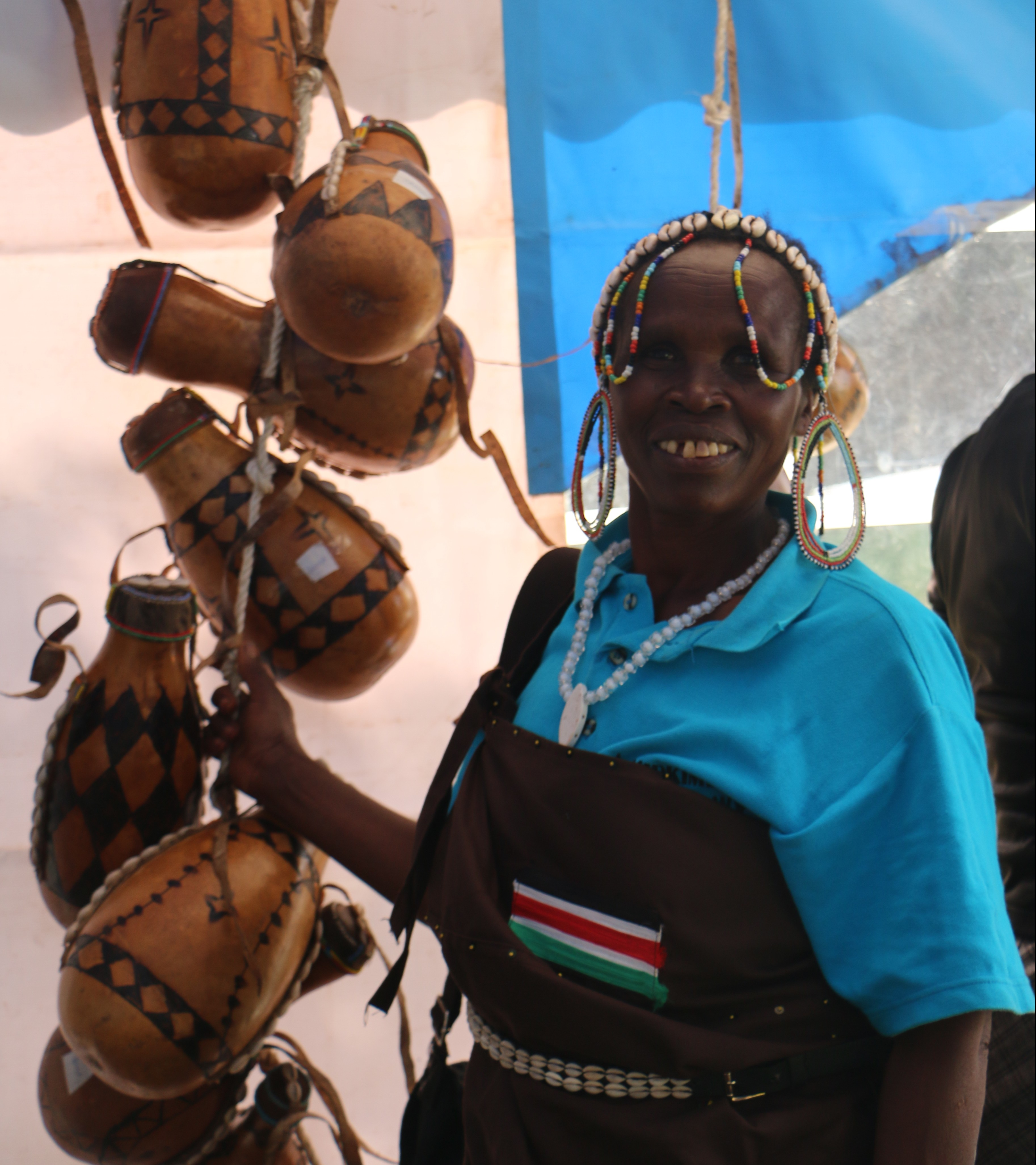 Women from women's group and gourds (Kenya)